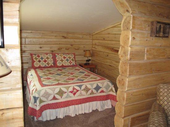 Glacier View, AK: comfy bed