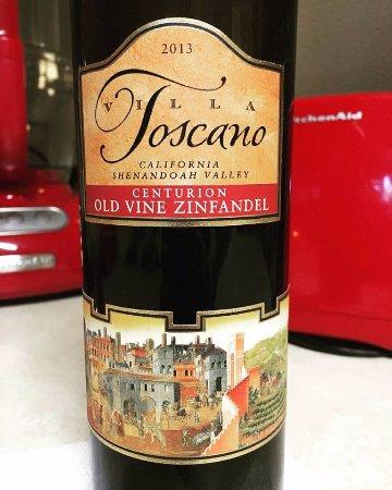 Villa Toscano: Beautifully Complex Wine