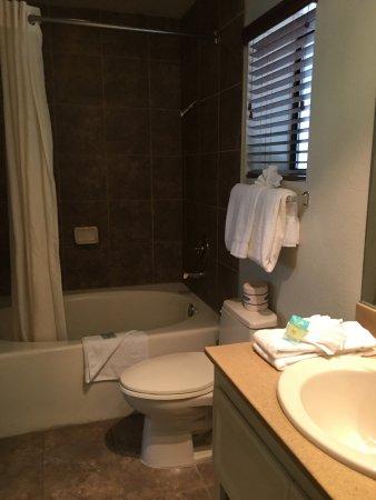 อเลกซิส พาร์ก รีสอร์ท: Bathroom