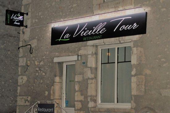 Cellettes, Francja: enseigne