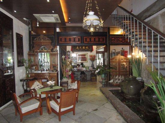 Courtyard @ Heeren Boutique Hotel: Hotel reception