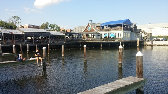 Absolutely fantastic picture of nick 39 s fish house for Nick s fish house baltimore md