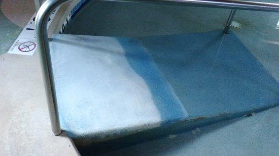 Marshfield, Висконсин: Ramp going into baby pool...