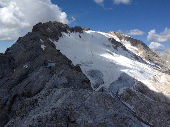 Rocca Pietore, Italy: Marmolada... e quel che resta del ghiacciaio.