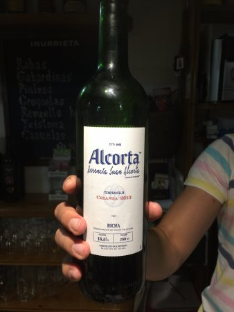Eugi, Spanien: what the locals drink,very nice indeed