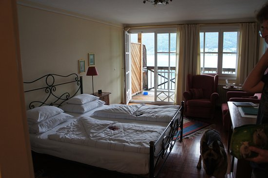 Landhaus zu Appesbach: chambre donnant sur le lac, 175 euros/jour par personne plus 15 euros pour le chien.
