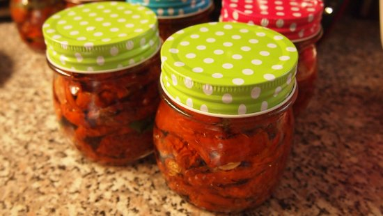 Decin, Repubblica Ceca: Our dry tomatoes with herbals and garlic.