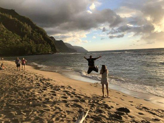 Kealia, Hawái: Jumping for Joy!!!
