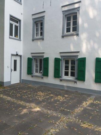 Monheim am Rhein, Germania: Die charmante Kehrseite