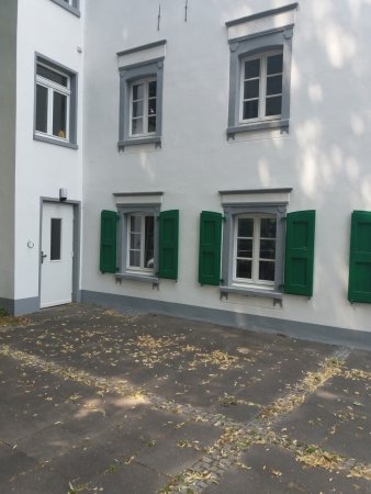Monheim am Rhein, Germany: Die charmante Kehrseite