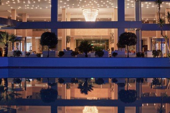 Nur Hotel Grecian Park