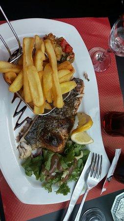 Palaiseau, France: Snapchat-167088833_large.jpg