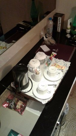 Amethyst Hotel Istanbul: Чайные принадлежности