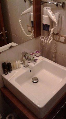 Amethyst Hotel Istanbul : Ванные принадлежности и фен