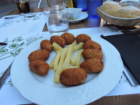 croquettes jambon fromage fotograf a de el olivo restaurant c rdoba tripadvisor. Black Bedroom Furniture Sets. Home Design Ideas