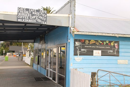 Kawhia, New Zealand: Shut for the night but open for delicious food all day ...