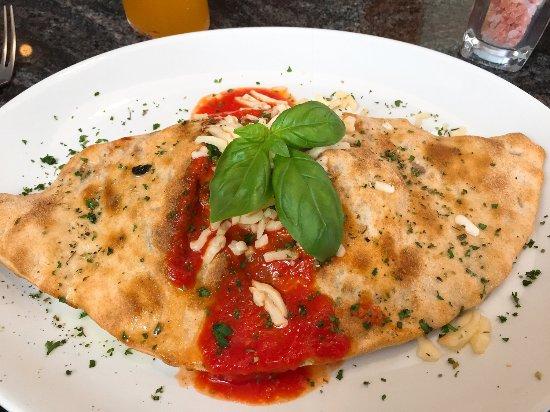 tuscany TOO: Pizza Calzone