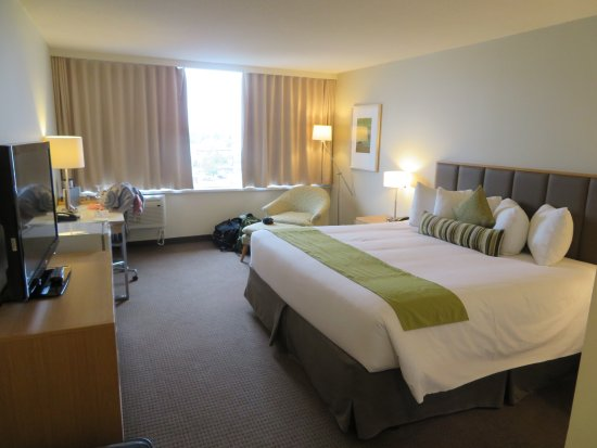 Coast Chilliwack Hotel: Room 909