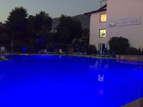 Balkaya Hotel: Havuz ve ek bina