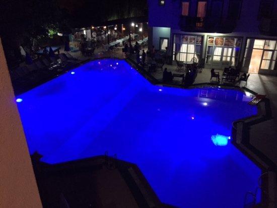 Balkaya Hotel: Havuz ve ana bina