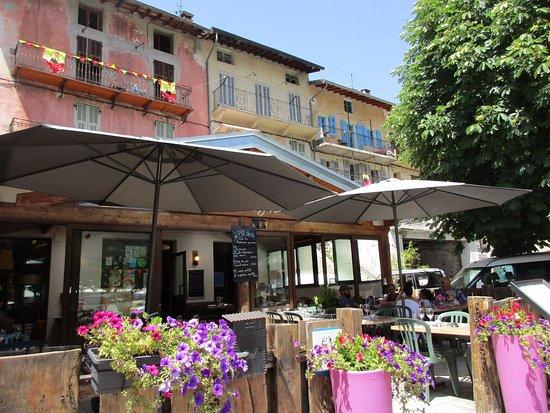 Tende, Francia: Pleasant outside area