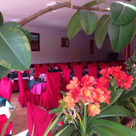 Douvaine, France: salle de restaurant