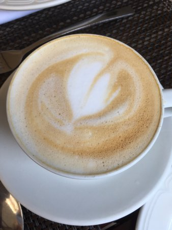 Southern Sun Ridgeway: Free cappuccinos for breakfast were a wonderful way to start my day!