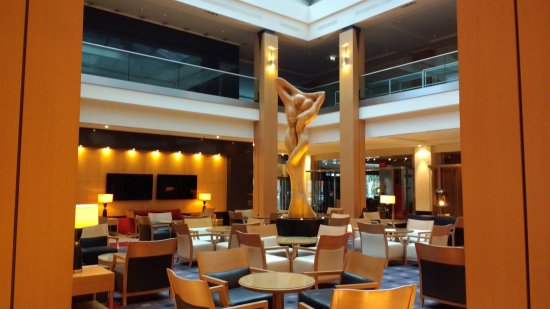 Lobby Bild Von Hilton Vienna Wien Tripadvisor