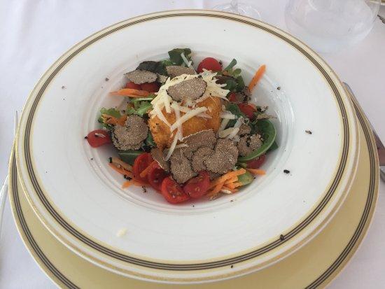 Oleggio Castello, Italy: A course in the restaurant Le Fief.