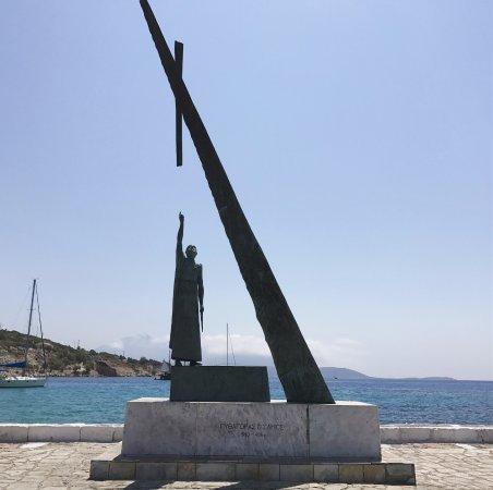 Pythagoras Statue