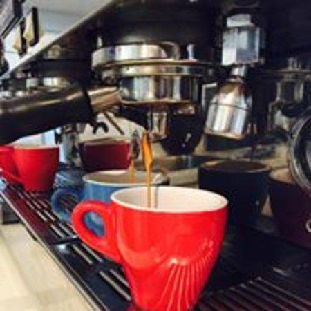 Wangaratta, Australia: Bertsy's special blend coffee, NKOTB, supplied by Mansfield Coffee Merchants