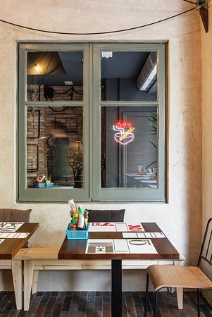 Restaurante m n vi t en barcelona con cocina vietnamita - Restaurante vietnamita barcelona ...