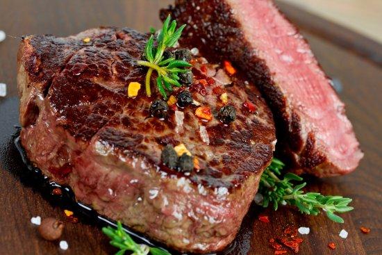 Ruesselsheim, Germany: Steaks vom green egg