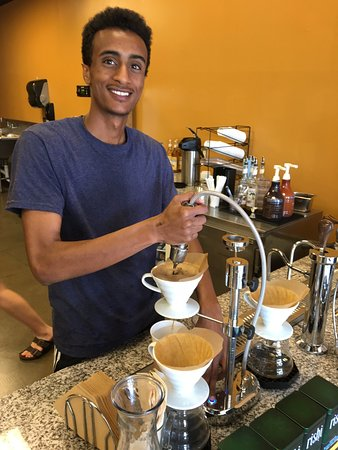 Gahanna, Οχάιο: Individually made cups of coffee