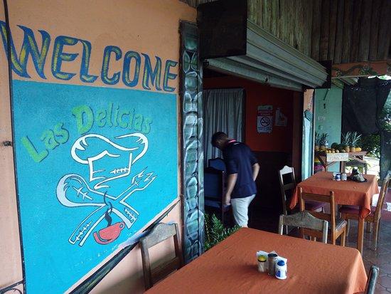 Nuevo Arenal, Costa Rica: La entrada