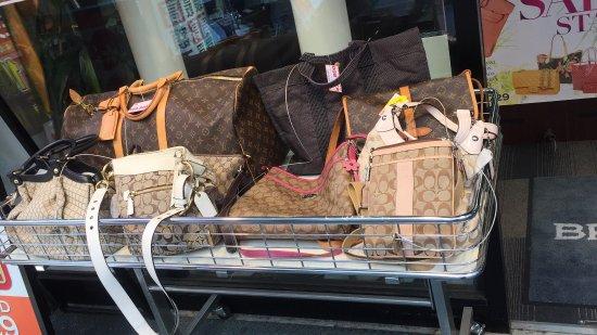 Ameyoko Shopping Street: photo4.jpg