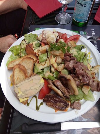 Neufchatel en Bray, Francia: salade de gésiers