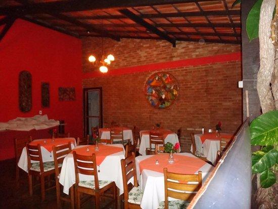 Restaurante onde servido o fabuloso caf da manh picture of pousada casa de maria prado - Restaurante casa maria ...