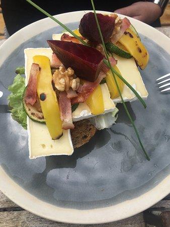 Nes, Ολλανδία: Restaurant Binnen