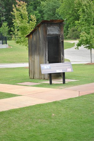 Outback Tupelo Ms >> Outback Facilities Tupelo Ms Picture Of Elvis Presley Birthplace