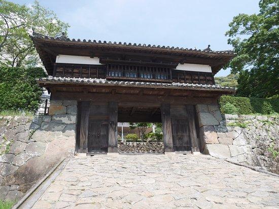 佐伯城三の丸櫓門通りです - Pic...
