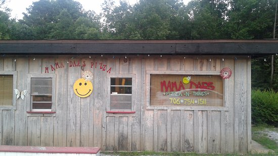 Clarkesville, GA: Mama Dar's -- Don't blink or you'll miss it!