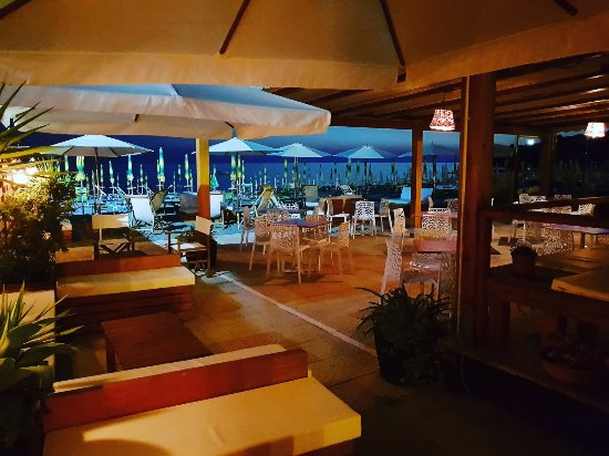 Scalea, Italie : lounge bar