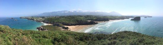 Poo de Llanes, İspanya: Prachtige kustlijn en uitzichten