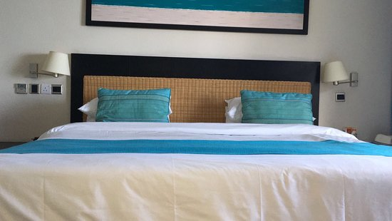 Pearle Beach Resort & Spa: letto King Size