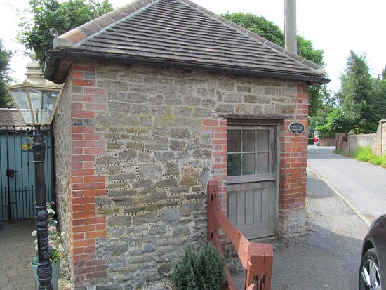 Horley, UK: The Cage, or Lock Up for those who misbehaved, dating back to circa 1792.