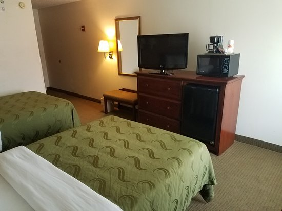 Hillsboro, TX: Two Double Bed Rooms all include microwave, fridge, and coffee makers