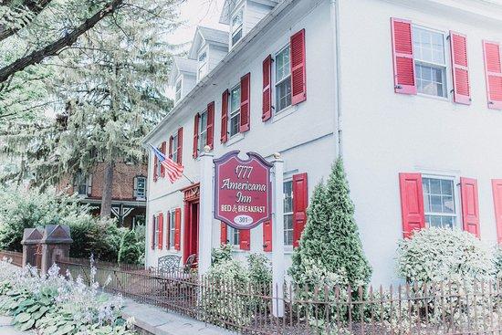 1777 Americana Inn Bed & Breakfast: Beautiful Historical Inn With Modern Amenities