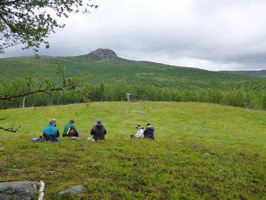 Tarnaby, Sverige: Liten fikapaus med Atoklimpen i bakgrunden