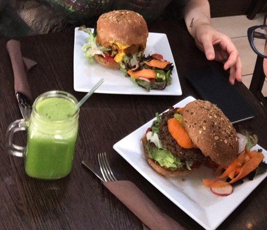 Ta' Xbiex, Malta: Burgers and salad